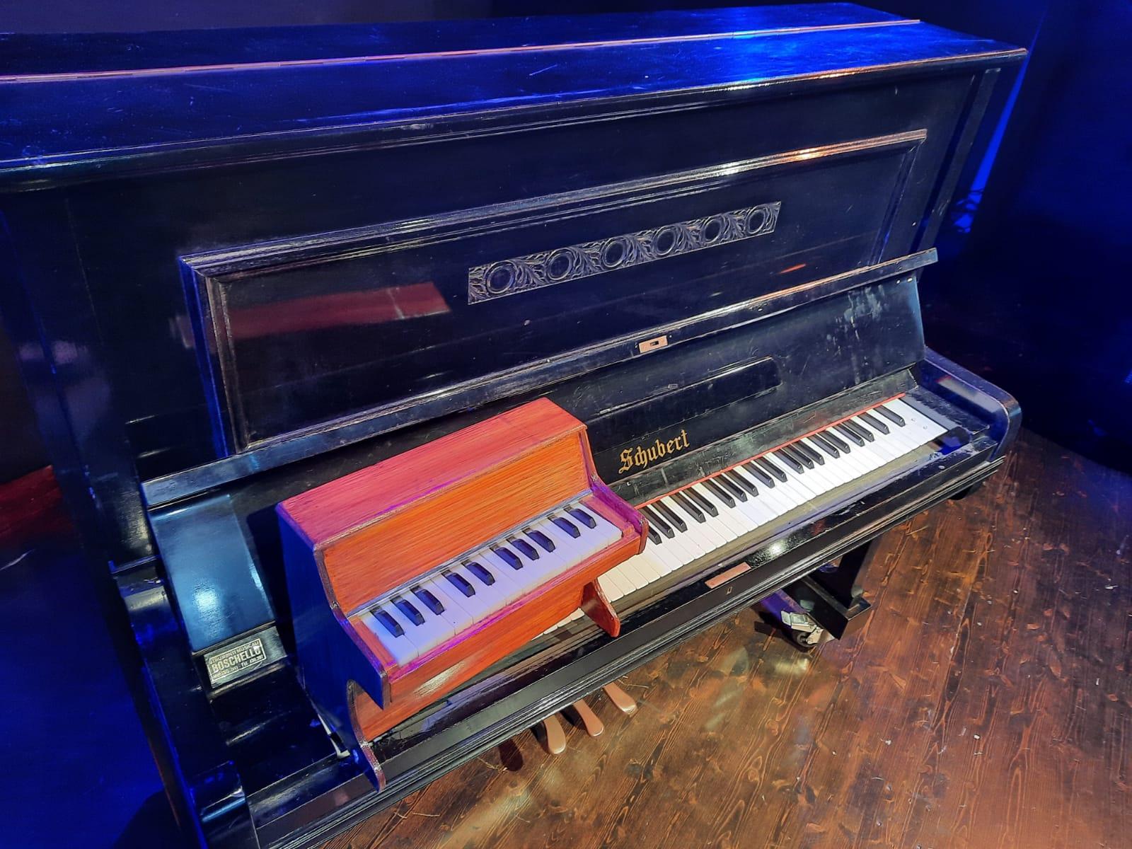 Pian pianino…